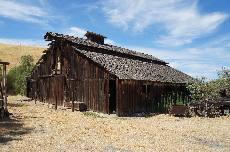 Black Diamond Mines. Arata Ranch Hay Barn.